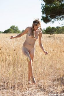 Dharma_in_a_wheat_field_029