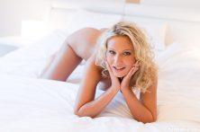 Sam_Jolie_on_white_sheets_103